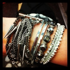 Arm party silver edge