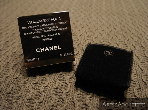 ArtsyArchitette Chanel VITALUMIÈRE AQUA Cream Compact Foundation Review