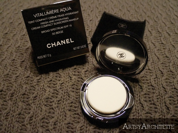 ArtsyArchitette Chanel VITALUMIÈRE AQUA Cream Compact Foundation Review3