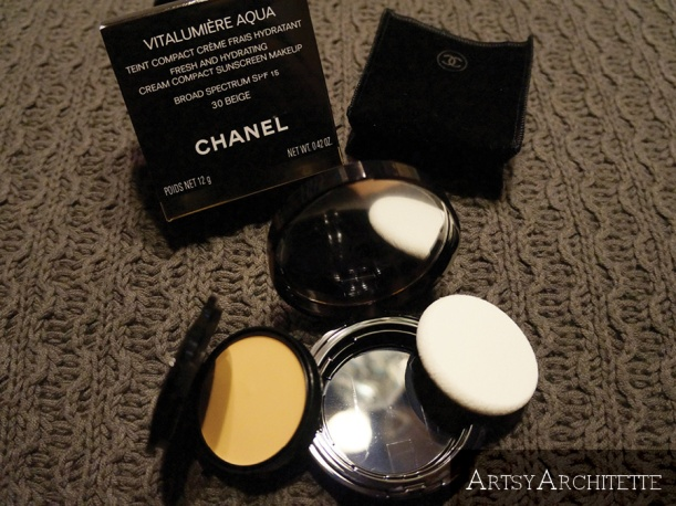 ArtsyArchitette Chanel VITALUMIÈRE AQUA Cream Compact Foundation Review5